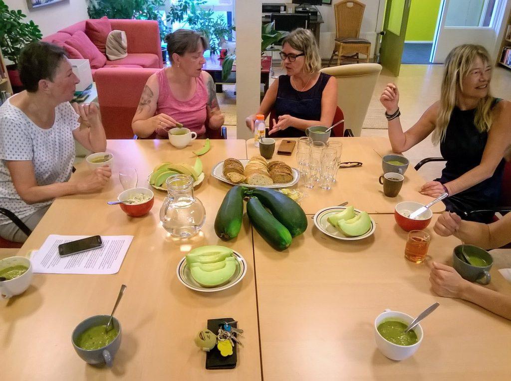 Lunch met verse meloen op donderdag 25 juli